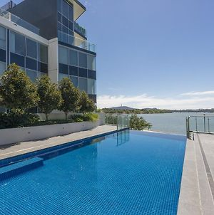 Accommodate Canberra Lakefront photos Exterior