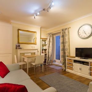 Charming Two Bedroom Garden Flat Historic Pimlico photos Exterior