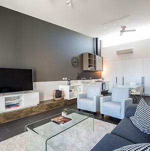 Magnificent Apartment + Free Car Park Near Cbd photos Exterior