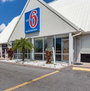 Motel 6 Englewood Fl photos Exterior