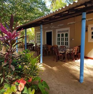 Nilaveli Beach Rooms photos Exterior