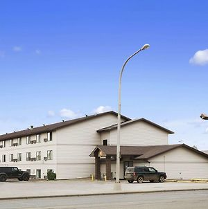 Super 8 By Wyndham Williston Nd photos Exterior