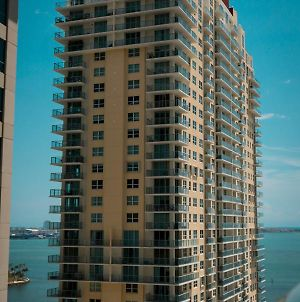 Brickell Bay Boardwalk - Waterfront Luxury Condo photos Exterior