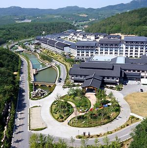 Oriental Hot Spring Resort Dalian photos Exterior