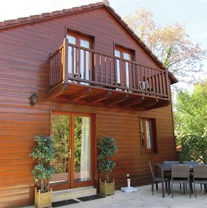 Nice Chalet In The Woods Of The Beautiful Dordogne photos Exterior