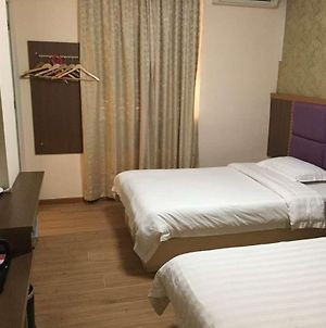 Guangzhou Huayi Inn photos Exterior