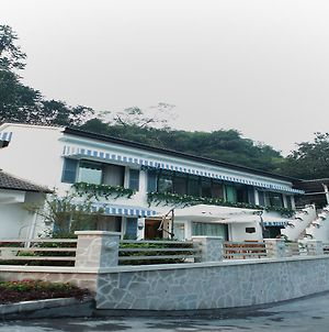 Seclusion Scenery Of West Lake Lingyin photos Exterior