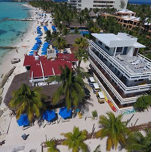 Chichis And Charlies Beachfront Hotel photos Exterior