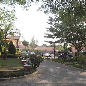 Le Savanna Country Lodge And Hotel photos Exterior