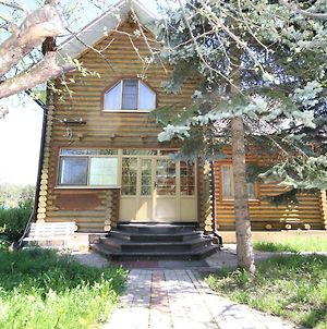 Country House On Dzerzhinskogo 42A photos Exterior