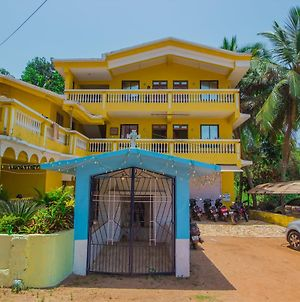 Oyo 14907 Home 1Bhk With Balcony Varca Beach photos Exterior