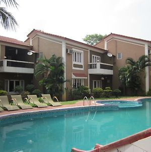Af-6 Candolim With Shared Pool photos Exterior