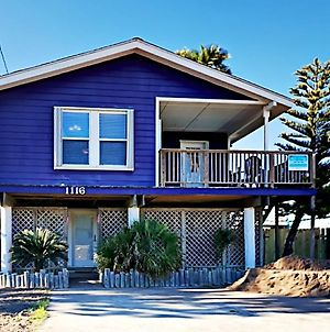 The Purple House - Four Bedroom Home Vr photos Exterior