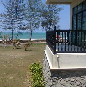 Mersing Beach Resort photos Exterior