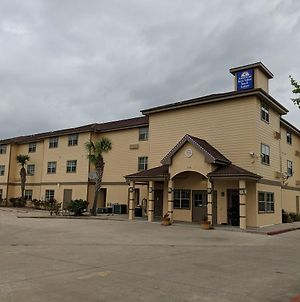 Americas Best Value Inn & Suites-Winnie photos Exterior