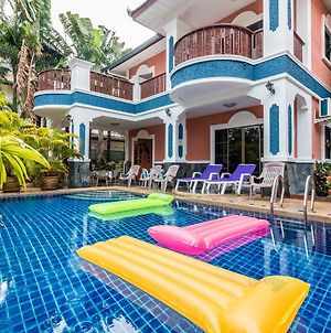 Madee Villa - Pattaya Holiday House Walking Street 6 Bedrooms photos Exterior