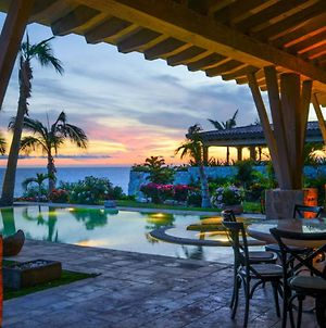 Beachfront Villa Located On A Jack Nicklaus Golf Course With Stunning Ocean View photos Exterior
