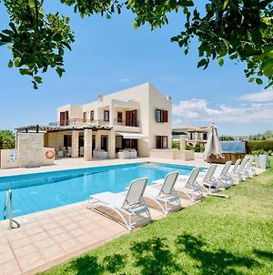 4 Bedroom Villa Poseidon With Private Pool Aphrodite Hills Resort photos Exterior