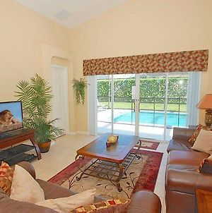 Lovely 3 Bed 2 Bath Pool Home With Games Room photos Exterior