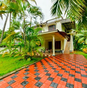 Lake Castle Alleppey Villa photos Exterior