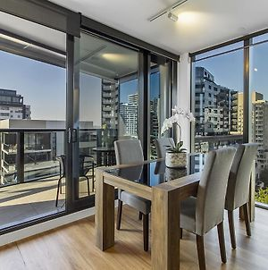 Bright Apartment With City Views In Trendy Locale photos Exterior
