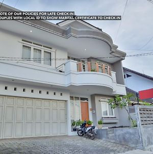 Zen Rooms Bukit Dago Syariah photos Exterior