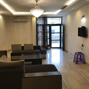 Spacious 3Bhk Apartment! photos Exterior
