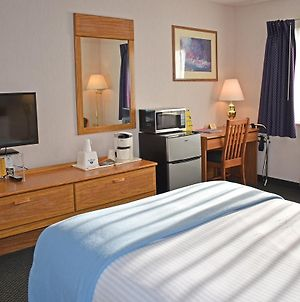 Americas Best Value Inn Tahquamenon Country photos Exterior