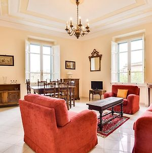 Classic 3 Bed Flat 10 Minutes From The Colosseum photos Exterior