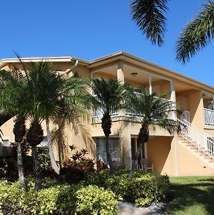 The Barefoot Hideaway At Coconut Villas Of Dunedinn - Two Bedroom Condo photos Exterior