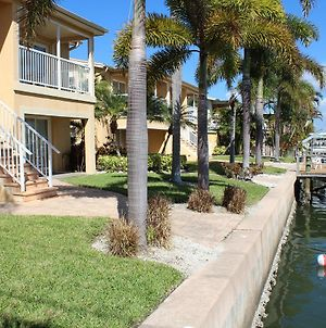 Coastal Charm At Coconut Villas Of Dunedinn - Two Bedroom Condo photos Exterior
