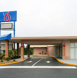 Motel 6 Greensboro Nc photos Exterior