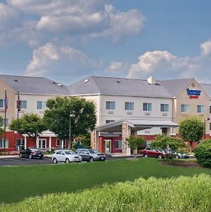 Fairfield Inn And Suites By Marriott Frederick photos Exterior