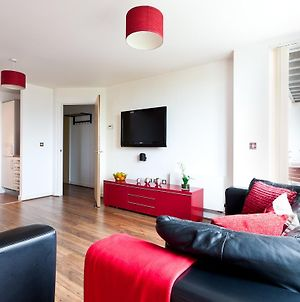 Apartment In Central Mk - Bed Choice Of 1 Super-King Or 2 Singles And Also 2 Sofa Beds - Free Parking And Smart Tv - Contractors, Relocation, Business Travellers photos Exterior