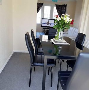 Blackpoolholidaylets Salmesbury Avenue Families And Contractors Only photos Exterior