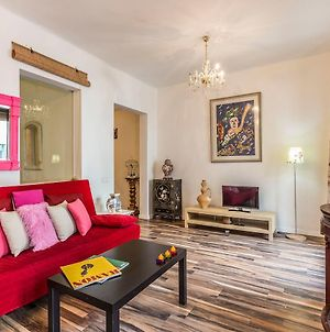 Spacious Apt In Vibrant Sol, 5Mins From Tourist Attraction photos Exterior