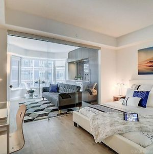 Lux Junior Suite At Yorkville ☆☆☆☆☆ photos Exterior