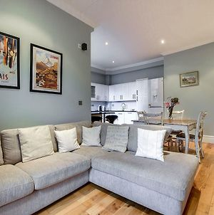 Beautiful 2 Bed In Heart Of West London photos Exterior