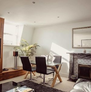 Gorgeous Executive Apartment In The West End photos Exterior