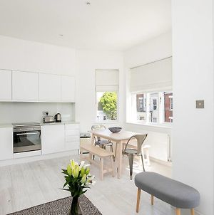 Stunning 2Br Home In West Kensington W/Balcony photos Exterior
