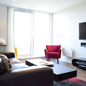 East London 2 Bed Flat With Balcony photos Exterior