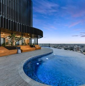 Luxury River View Apartment With Infinity Pool photos Exterior