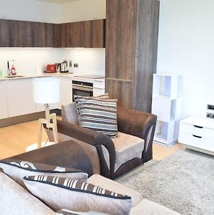 Brand New One Bedroom Apartment In Battersea photos Exterior