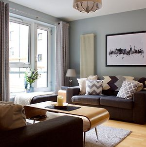 Stylish Royal Mile Apartment With Parking! photos Exterior
