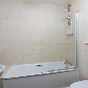 Cosy Central 3 Bed Property W Balcony Sleeps 6 photos Exterior