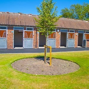 The Stable Suite At York Racecourse photos Exterior