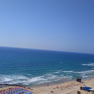 Beachfront Apartment Bat Yam 613 photos Exterior