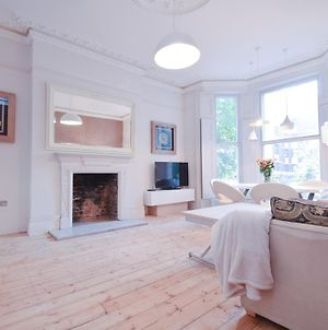 Luxury Designer Flat Holland Park photos Room