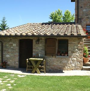 Attractive Rural Apartment By The Hills In Montone Umbria photos Exterior