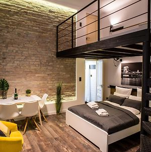 Very Stylish And Fresh Studio Home In The Center photos Exterior